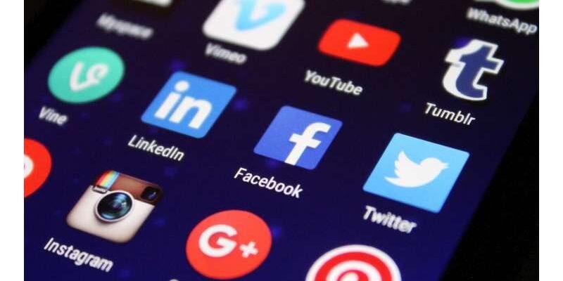 Facebook ошибочно называет чернокожих мужчин «приматами»
