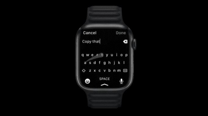Большой дисплей Apple Watch Series 7 позволяет использовать всю экранную клавиатуру